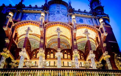 Palau_de_la_Música_Catalana_at_night_-_D