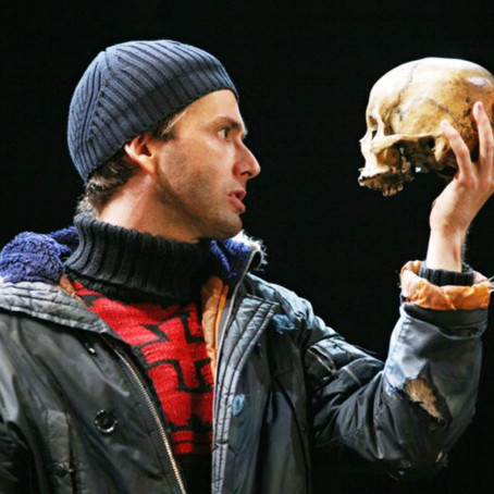 5 Ways To Use a Monologue to Improve Your Acting Skills!