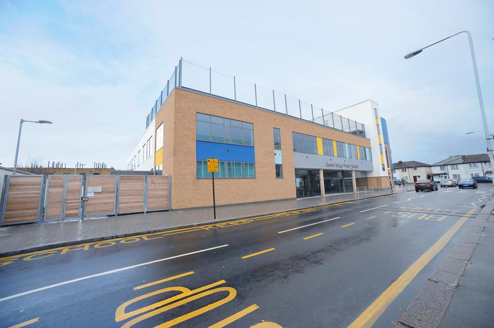 Redbridge School exterior 1