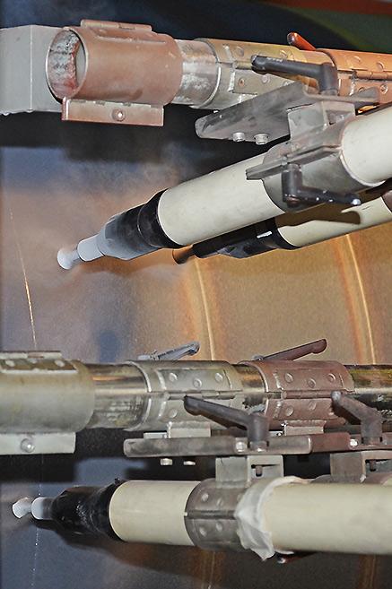Завод ТВЭЛ-Тобольск. Нанесение антикоррозийного покрытия на трубу