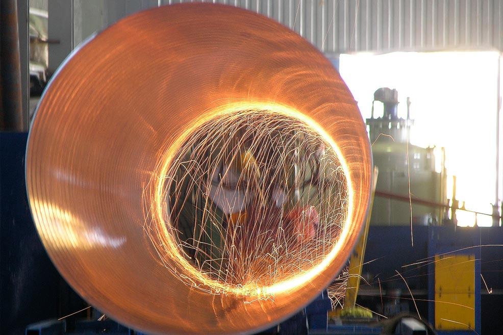 Завод ТВЭЛ-Тобольск.  Резка трубы-оболочки