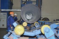 ТВЭЛ-Тобольск. Труба-оболочка, на которую впоследствии наносится полимерное покрытие