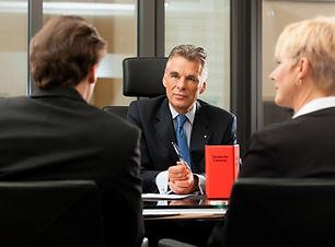 Besprechung mit Anwalt