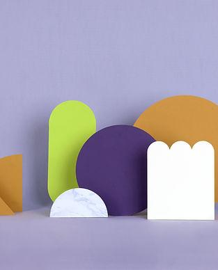 Estructuras de papel morado