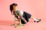 椅子の上に敷設
