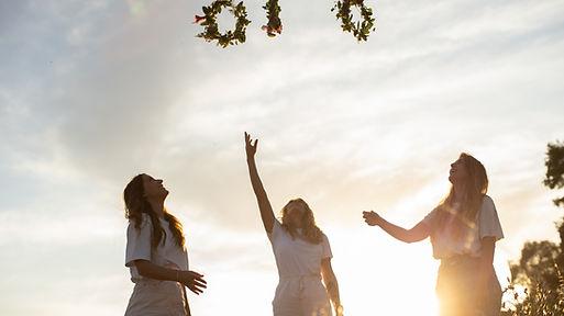 Frauen und Coaching, Woman Circle, Sisterhood, Team, Gruppenaustausch, Online Coaching