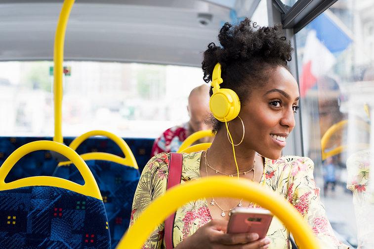 Viajar com fones de ouvido