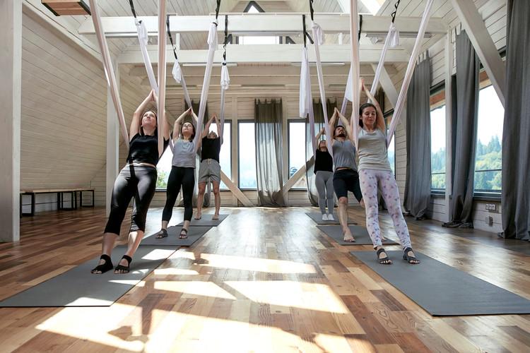 yoga volador