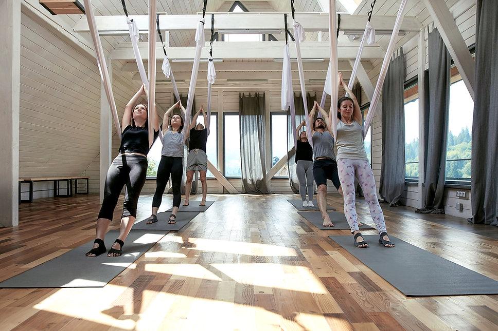 yoga volant