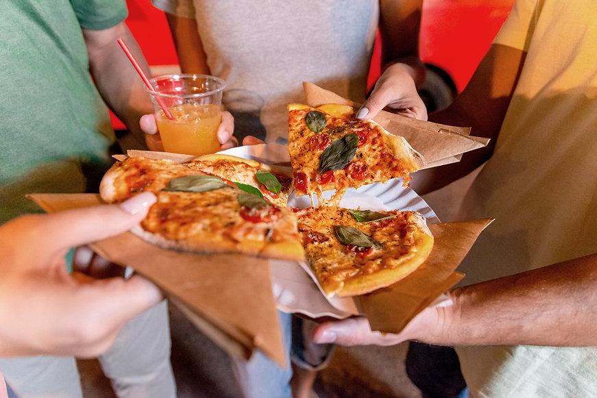 Compartilhando Pizza