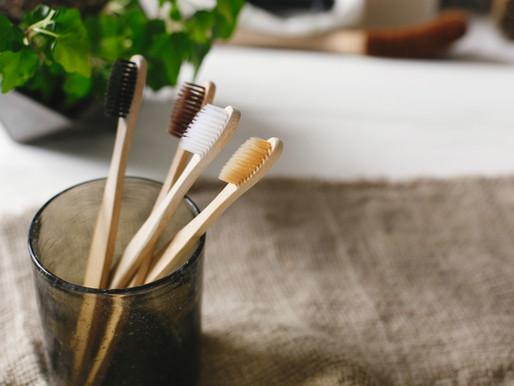 Cepillos de dientes de bambú : Por qué empezar a usarlos.