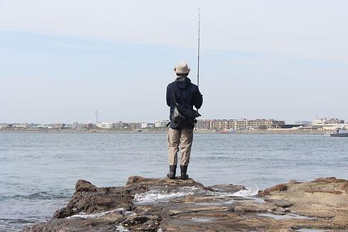 岸辺での釣り