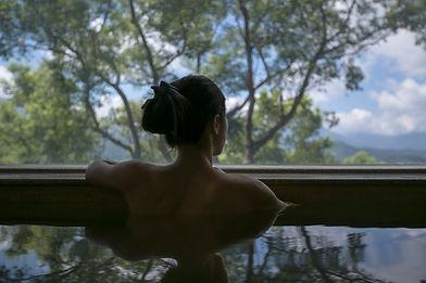 Vista del paisaje de la piscina
