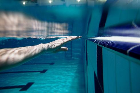 Bajo del agua