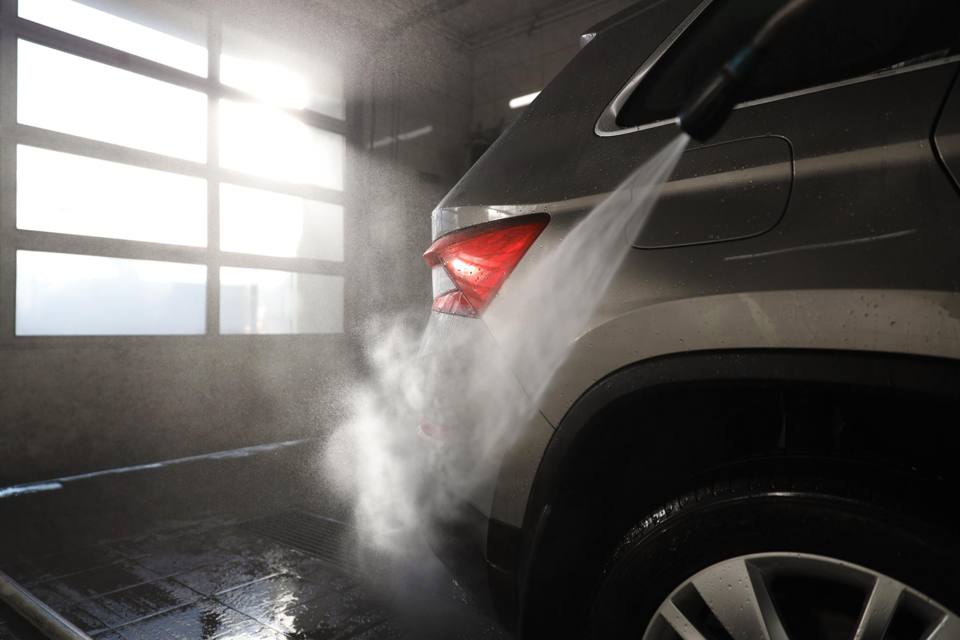 Full Wash - SUV & Double Cab
