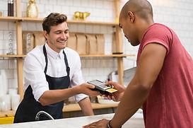 Płacenie w sklepie