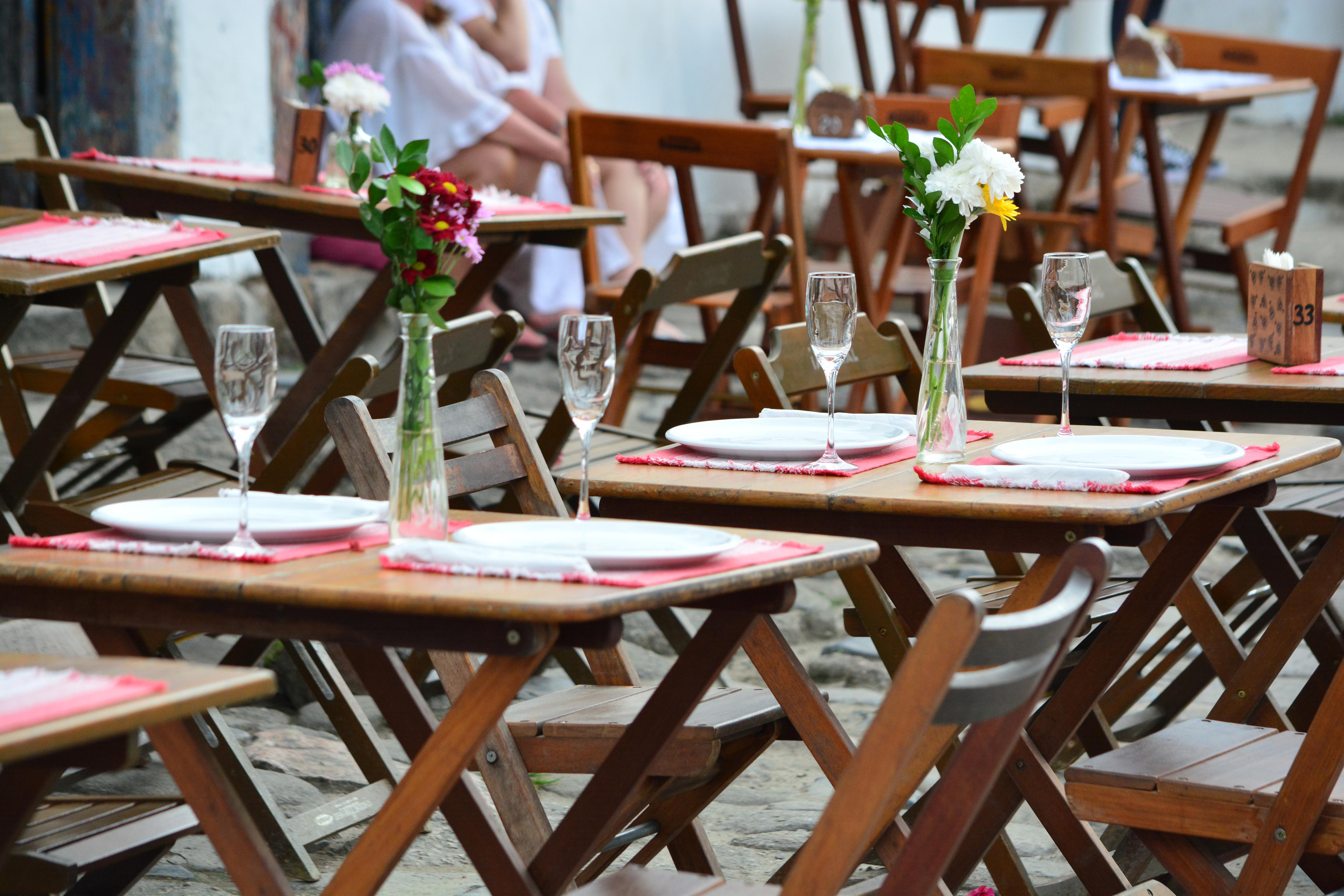 Mesas con flores