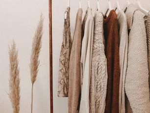 秋のファッションディスプレイ