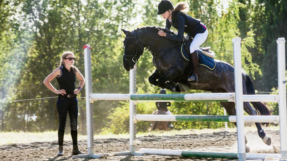 Class Twenty Seven - Freestyle Jumping Lead Rein