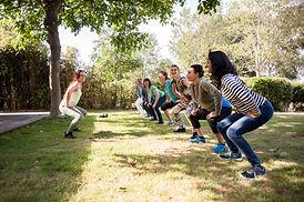 Sportles op grasveld