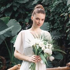 花束を持つ花嫁