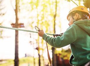 Kurs linowy w obozie letnim