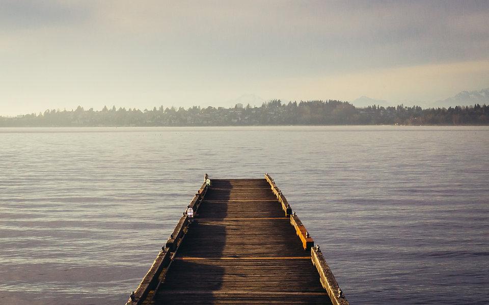 Пирс в озере