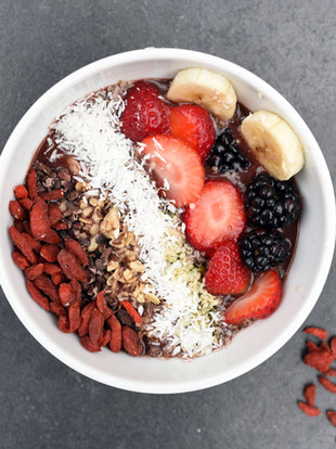 האם פירות יבשים הם באמת נשנושים בריאים?