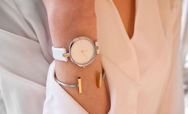 Puño y reloj