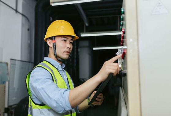 Trabalhos de reparação de electricidade