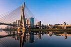 Pôr do sol sobre a ponte