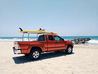 Camion sur la plage