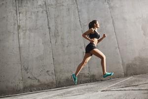 Wie kann man Cardio und Krafttraining kombinieren?