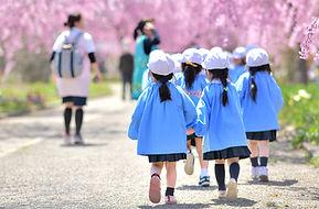幼稚園の子供たち