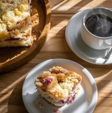 Kaffee und Streuselkuchen