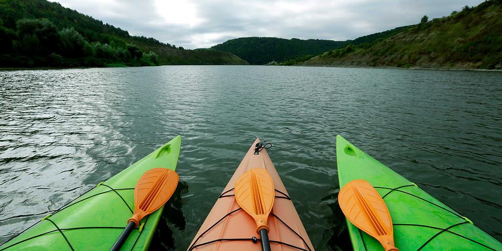 Highschool Kayaking the Back Bay