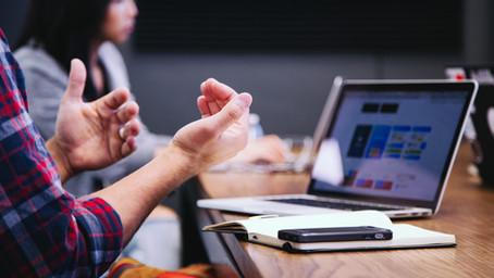 従業員か独立業務請負人(コントラクター)、どちらを雇用するべきか