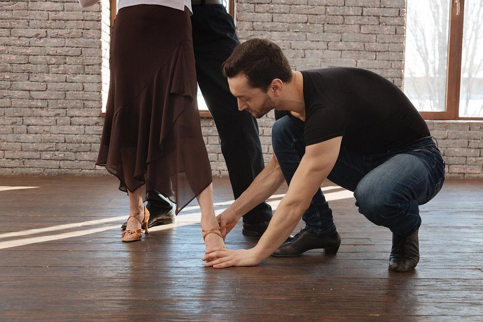 beginner dance lessons beginner dance classes for adults Bravo Dance Studio louisville ky best ballroom dance studio near me