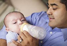 Τι χρειάζεται το μωρό μου εκτός από γάλα; Παιδίατρος Κωνσταντέλος