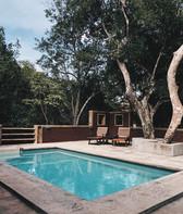 Bono paysages - Terrasse avec piscine