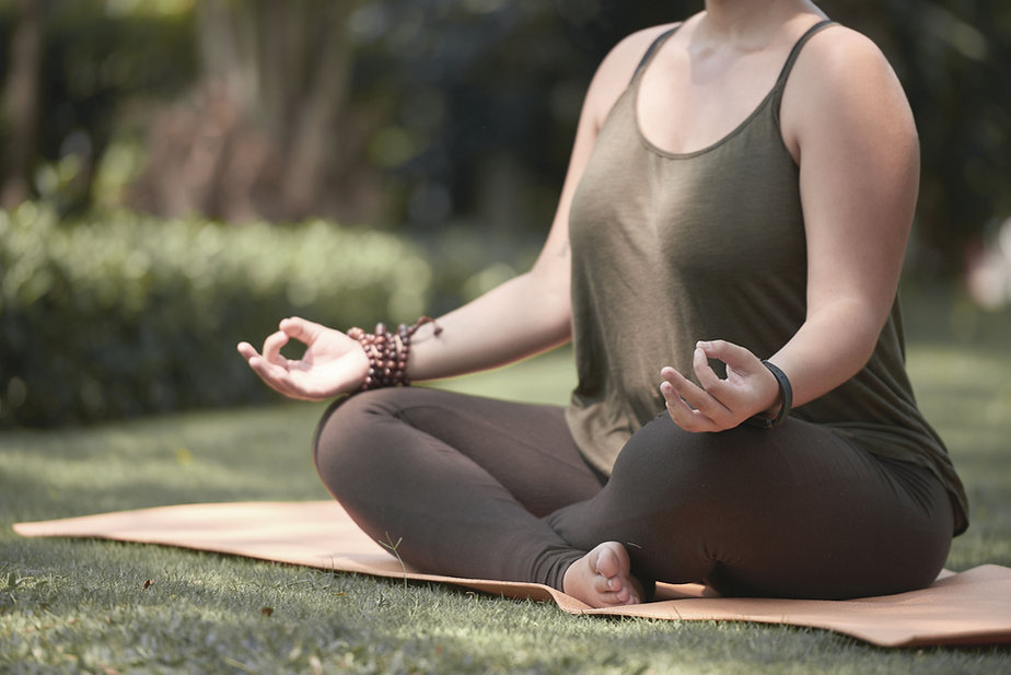 Yoga méditation en plein air