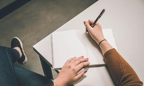 Schrijven op een notebook
