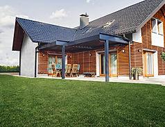 Maison avec pelouse