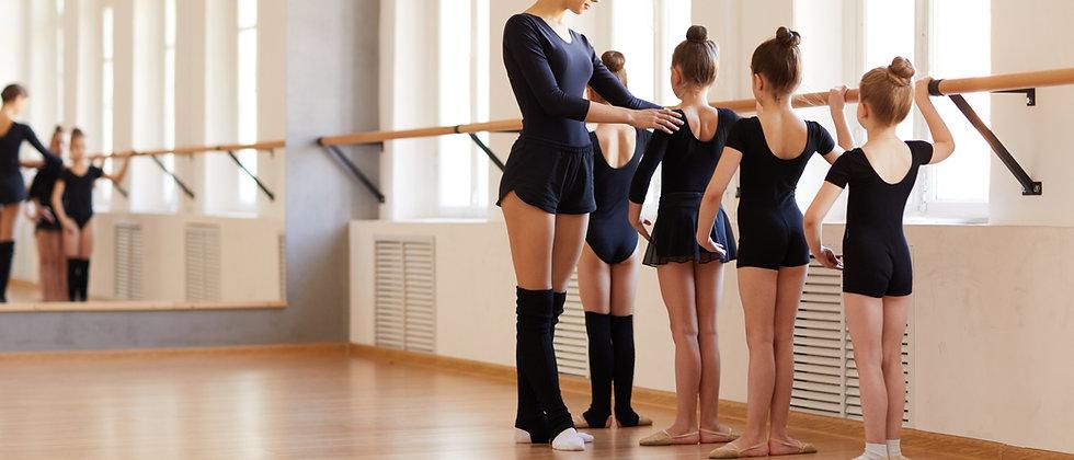 Zoom Ballet Class, Saturday 11.00 - 11.45