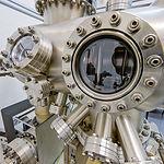 Maquinaria en un laboratorio de física