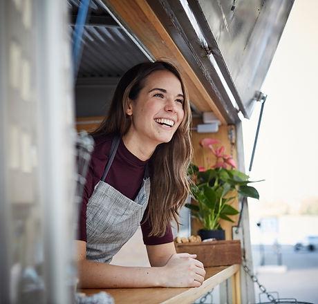 Glimlachend in een Food Truck