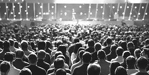 Folla della conferenza