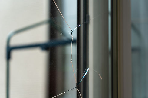 ガラス割れ