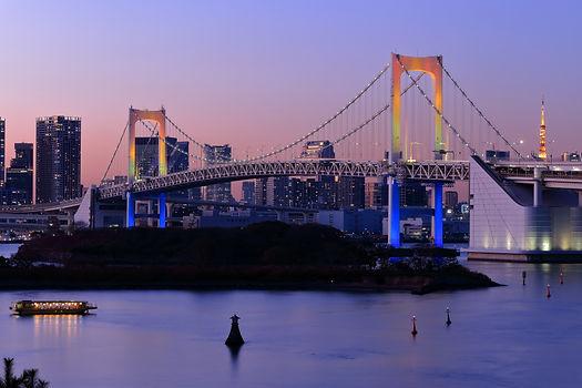 東京レインボーブリッジの夕景