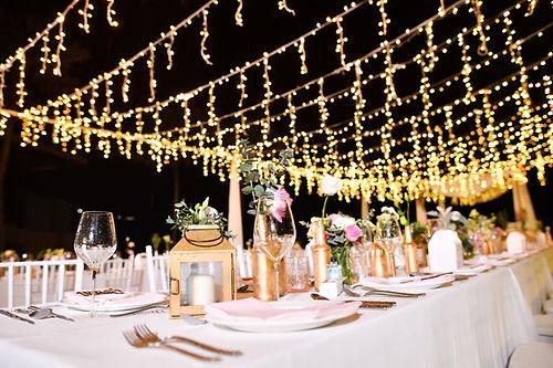 Hochzeitstisch bei Nacht